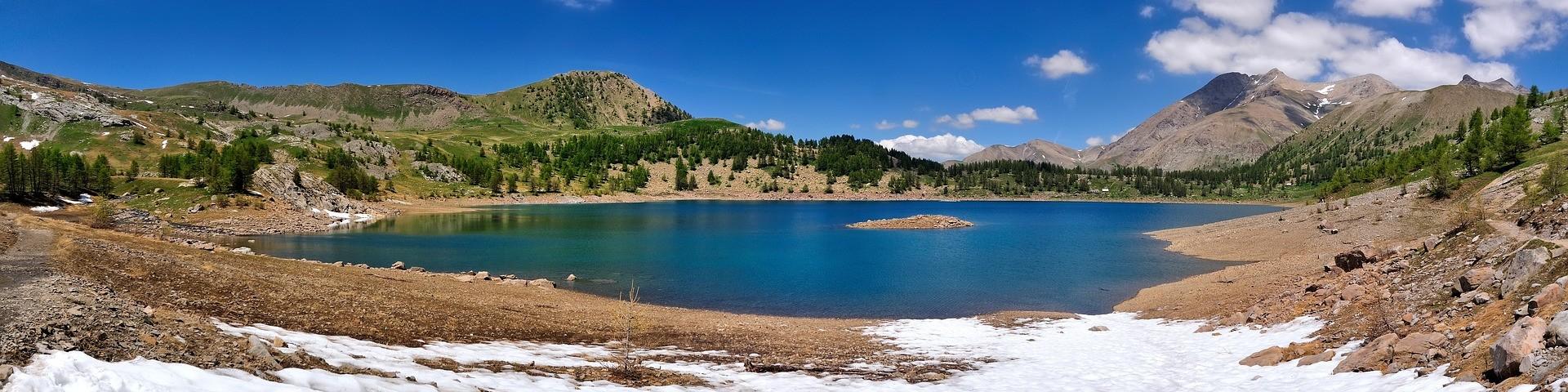 Beautiful lake in Mercantour