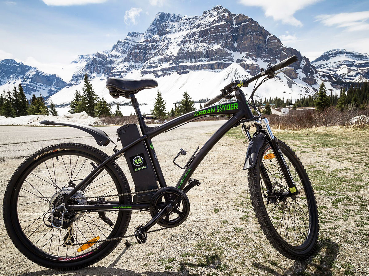 Bike on guided cycling tour from Jasper to Banff in Canada