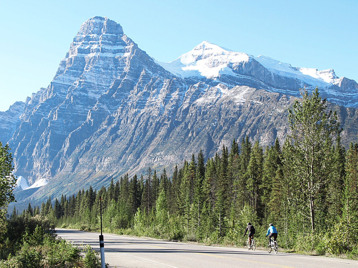 Several beautiful peaks surrounding the route of guided cycling tour from Jasper to Banff in Canada