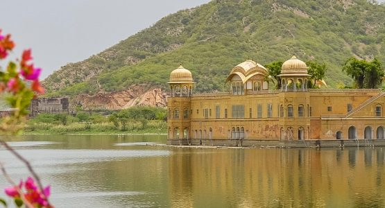 Views in Jaipur (Rajasthan) while on guided tour in India
