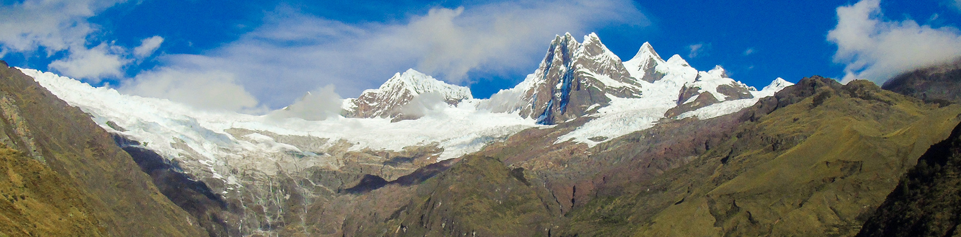 Panoramic view of Apamayo to Pomabamba trek in Peru