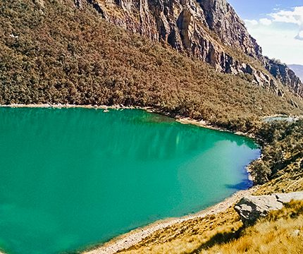 Beautiful turquoise on a guided hike from Huaraz, Peru