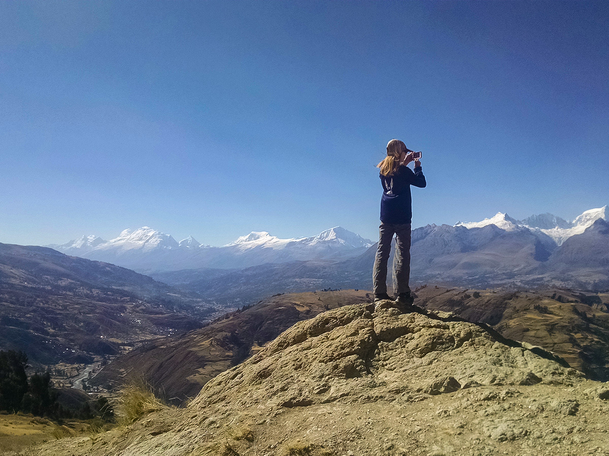 Hiking to Wilcacocha from Huaraz with guide