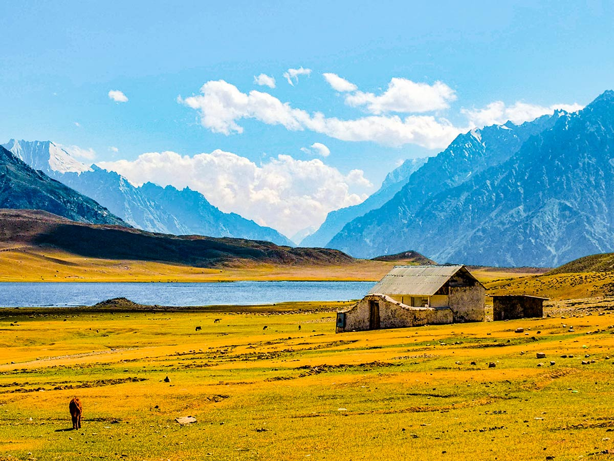 Lonely farmhouse neaar Shandur Lake on Chitral Valley Overland Tour in Pakistan