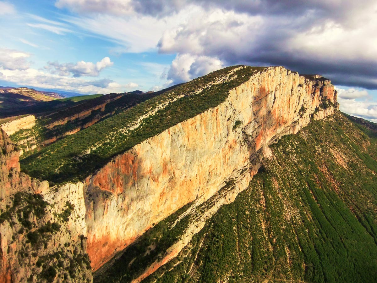 Mont Rebei on Trad and Multipitch rock climbing tour in Riglos, Spain