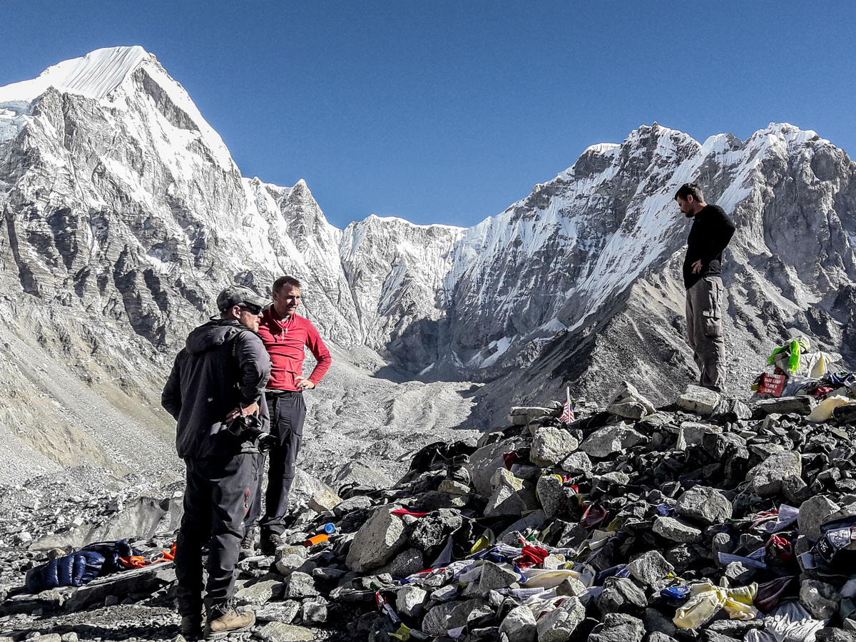 Hikers resting on Everest Base Camp and Gokyo Lake trek in Nepal