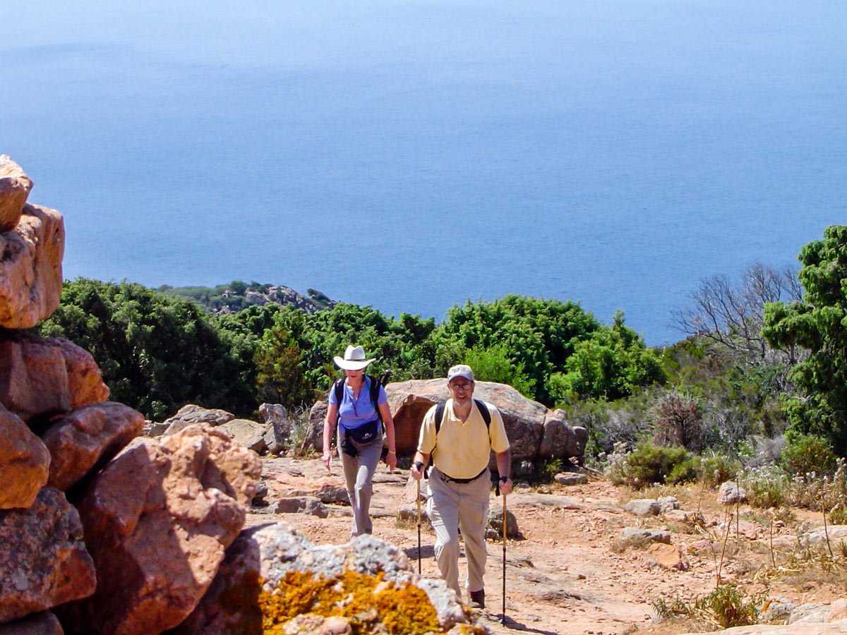 Two hikers on Mare a Mare North tour in Corsica Island