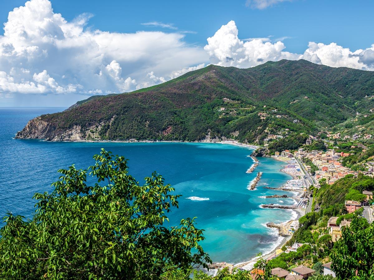 Beautiful bay on self guided trek between Portofino and Porto Venere in Cinque Terre