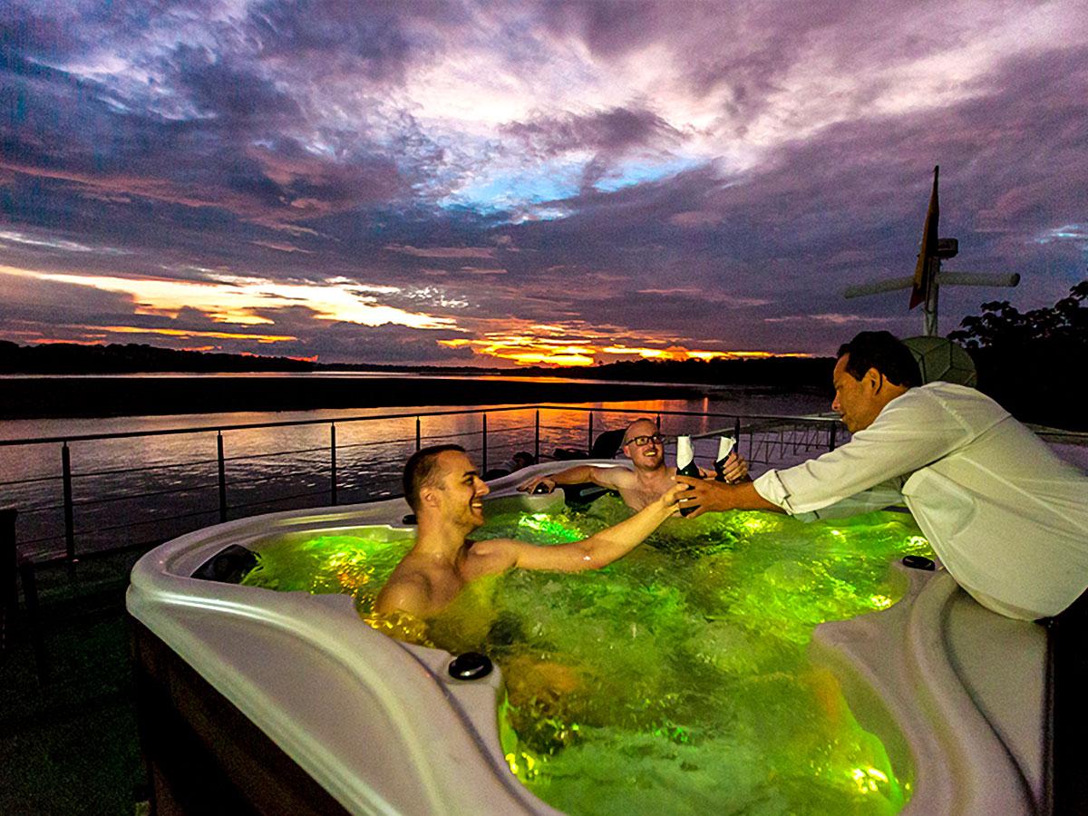 Anakonda River Cruisse Tour rewards witn numerous stunning sunsets onboard