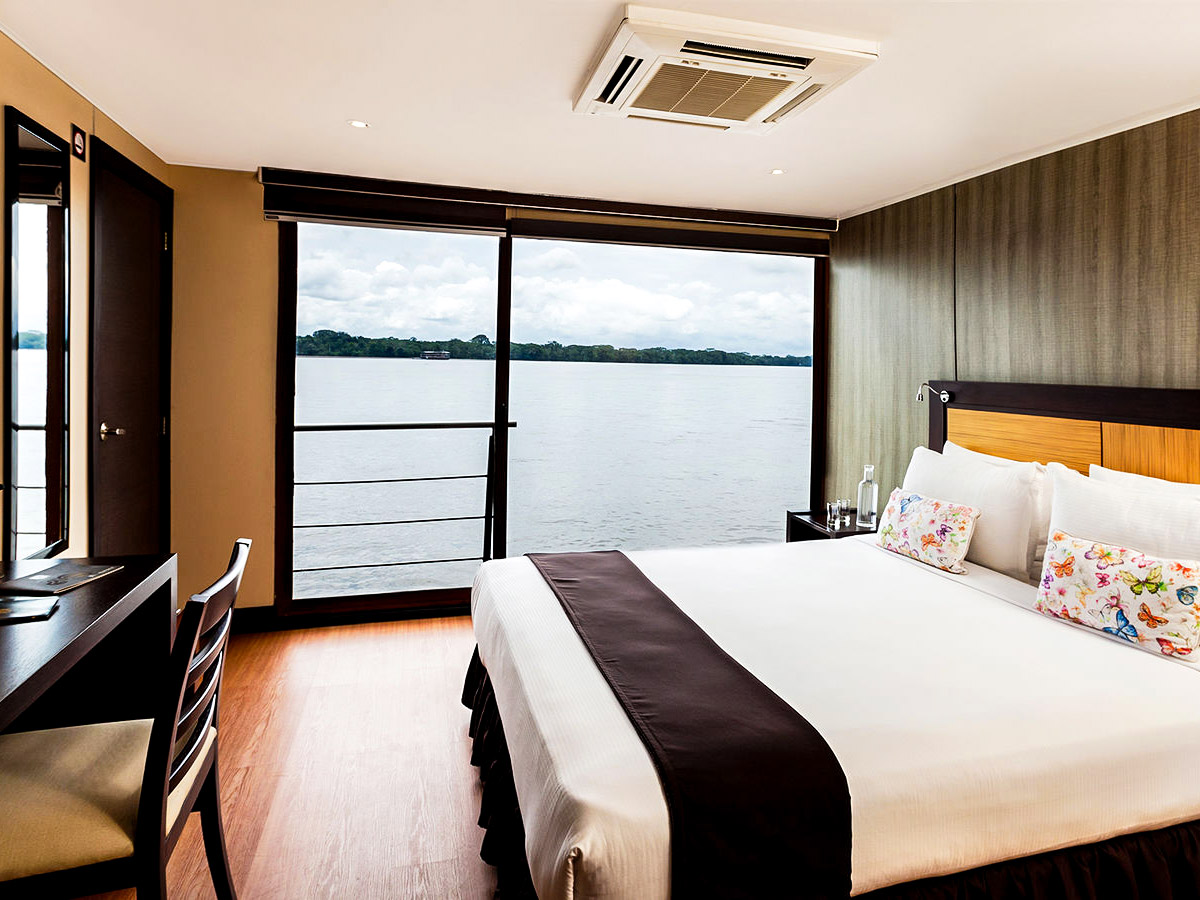 Luxurious rooms onboard the cruise ship on Anakonda River Cruise in Ecuador