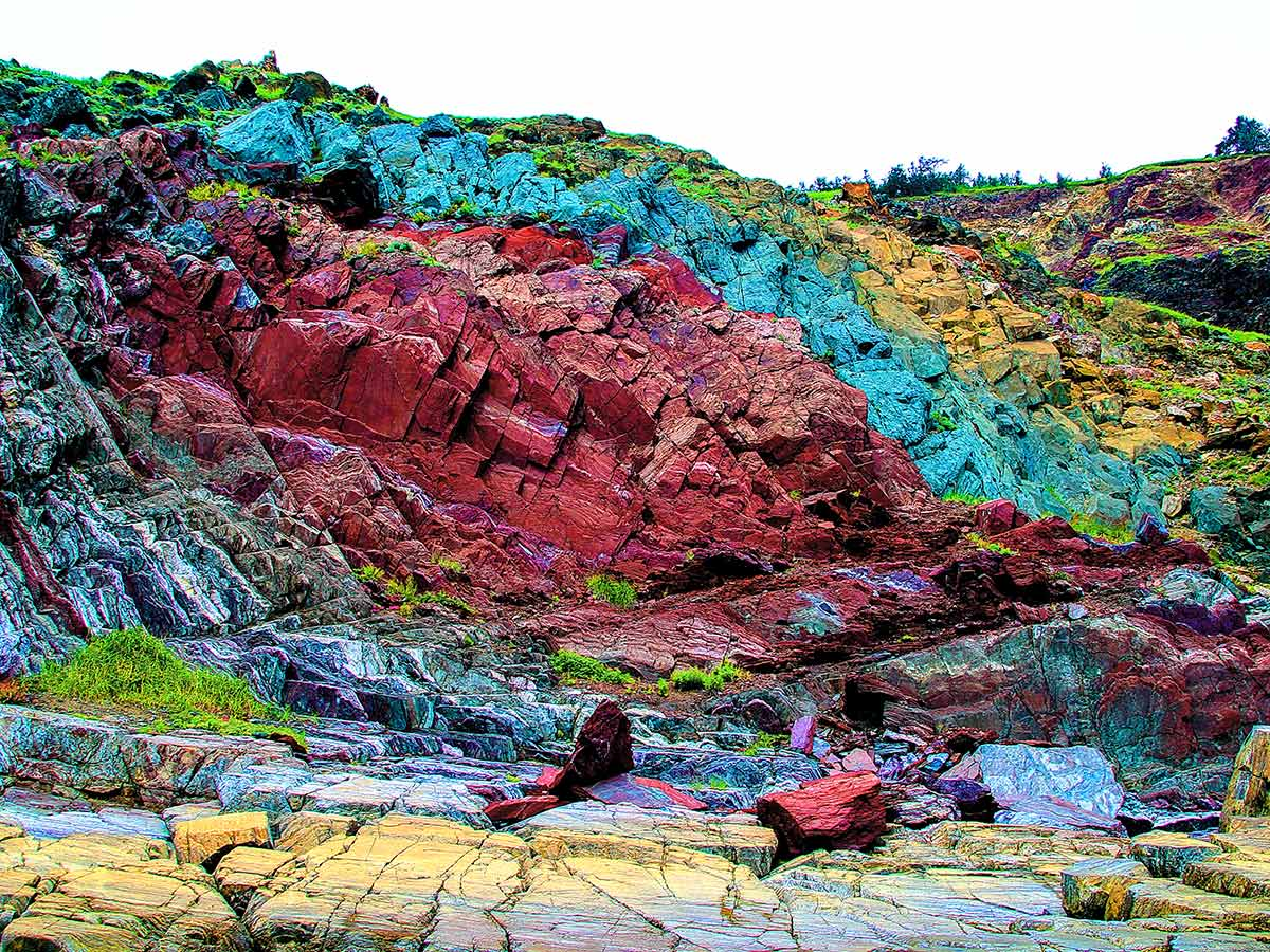 Colorful rocks of Shantar Islands seen on Expedition to Shantar Islands Tour with a guide