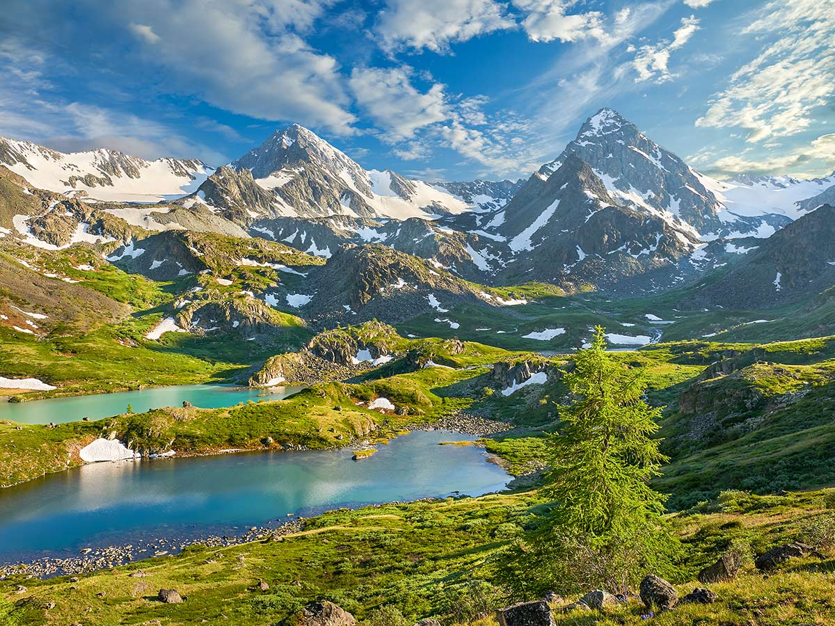 Golden Ring of Altai Tour in Russia rewards with stunning views of Altai Mountains