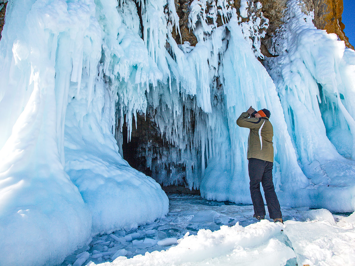 Grand Crossing of Lake Baikal Tour gives you an opportunity to visit the beautiful ice caves
