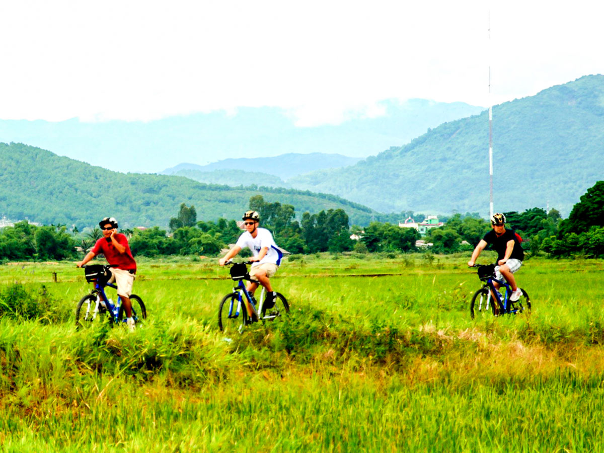 Vietnam Life and Cuisine Tour includes cooking classes and visiting countryside of Vietnam
