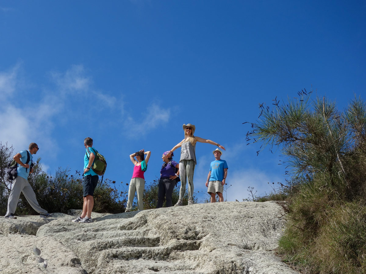 Hiking with the group on Gulf of Naples Walking Tour