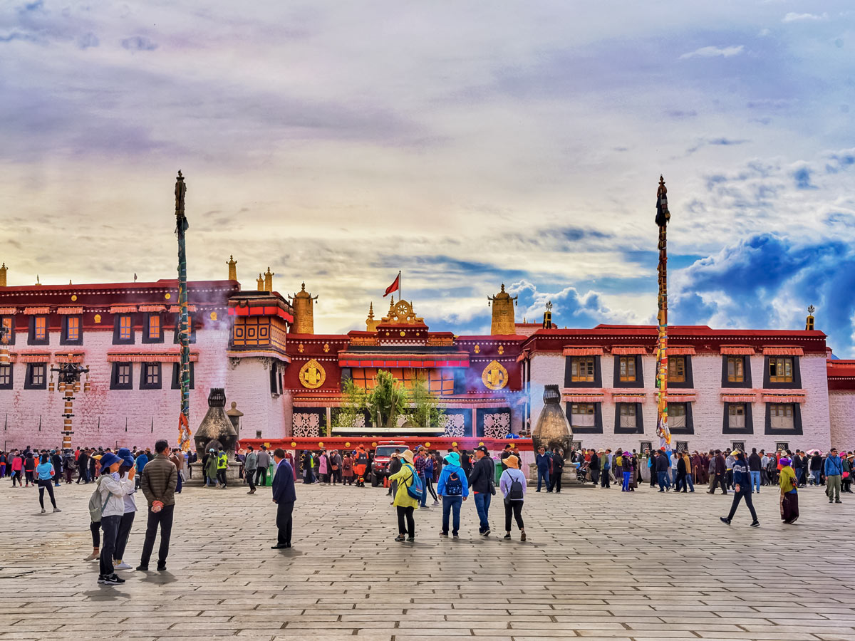Beautiful urban Jokhang seen along Great Bike Tour in Central Tibet