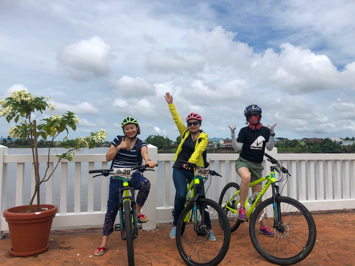 Cycling along Malasia Headhunters Heartland bike tour