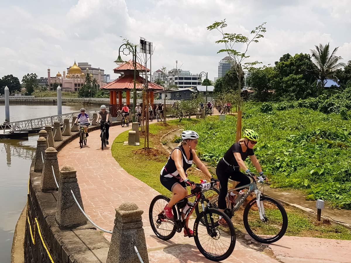 Bike discovery tour through rainforest in Malaysia