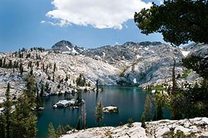 Hiking in the High Sierra Tour