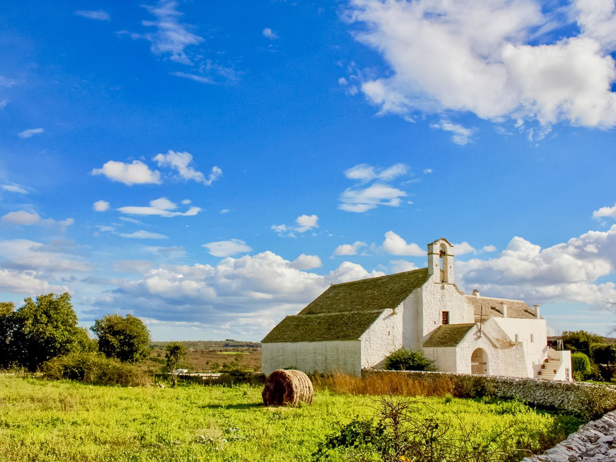 Barsento hill church chapel hiking Italian farmland countryside in Italy