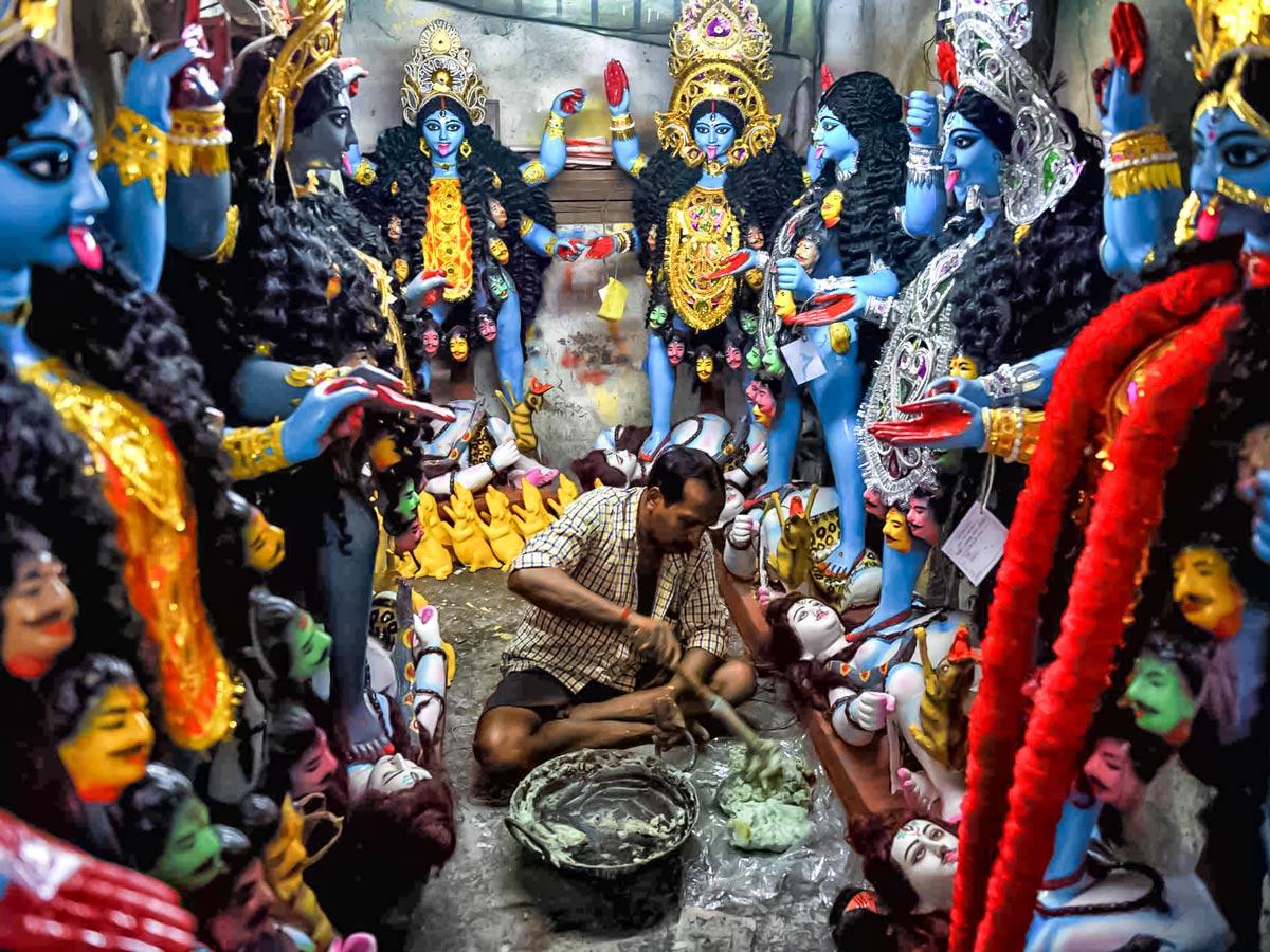 Kumaratul statue maker hindu gods North East India