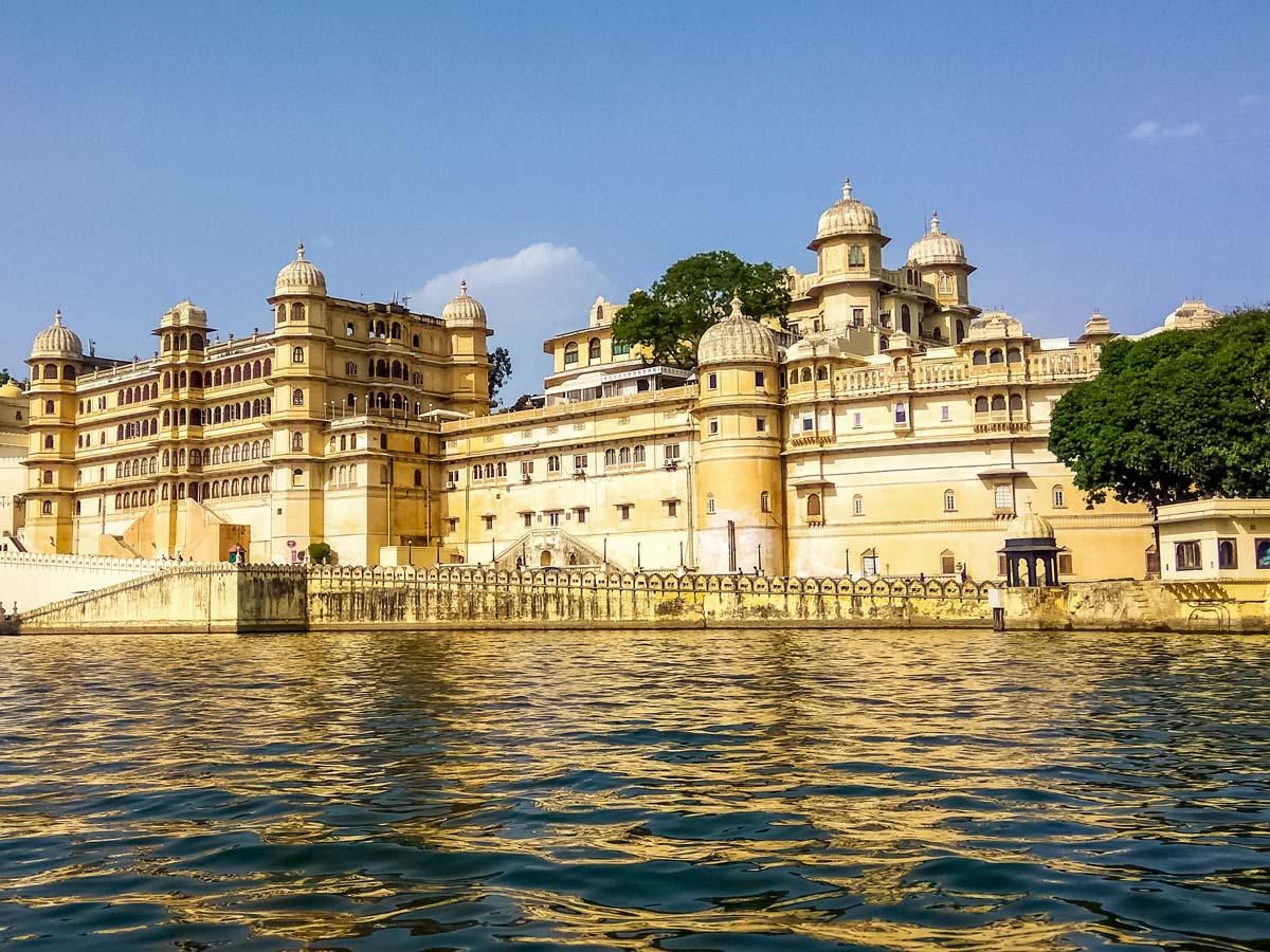 City palaceUdaipur lake India