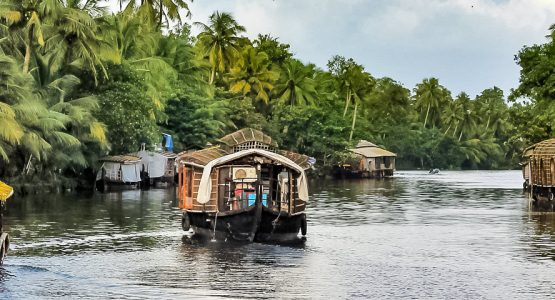 Kerala Houseboat Sightseeing Tour