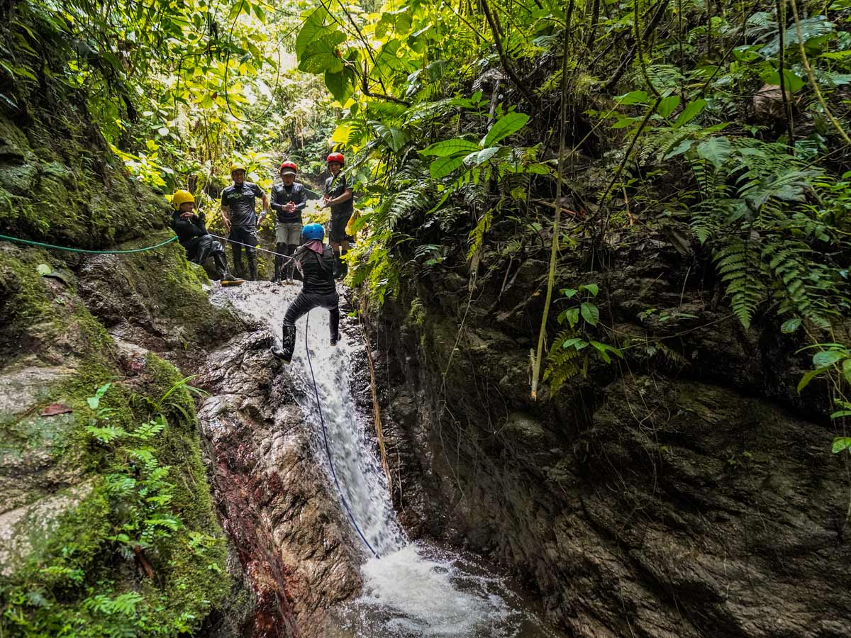 Ropelines bouldering rivers waterfalls adventure tour photo Peru Ecuador