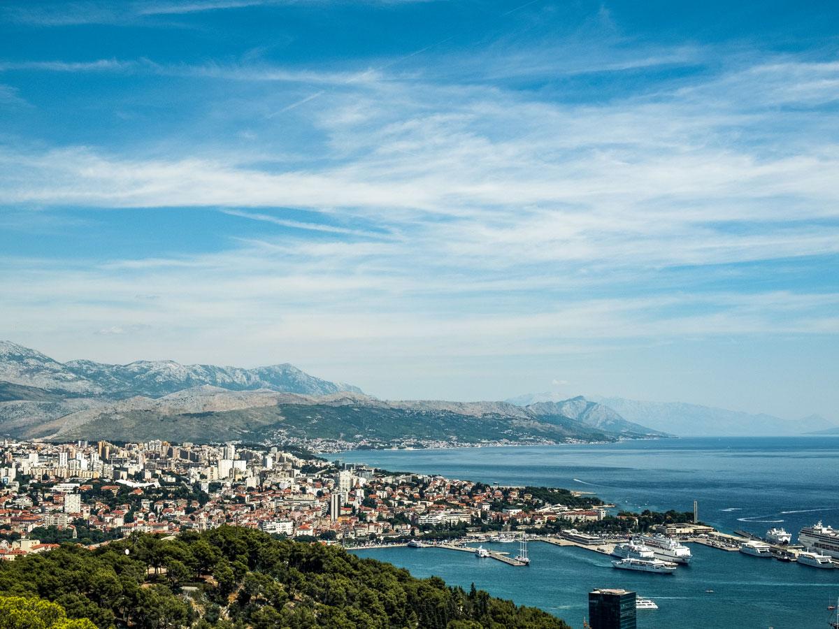 Mountainbiking dalmatian by the ocean mediterranean sea