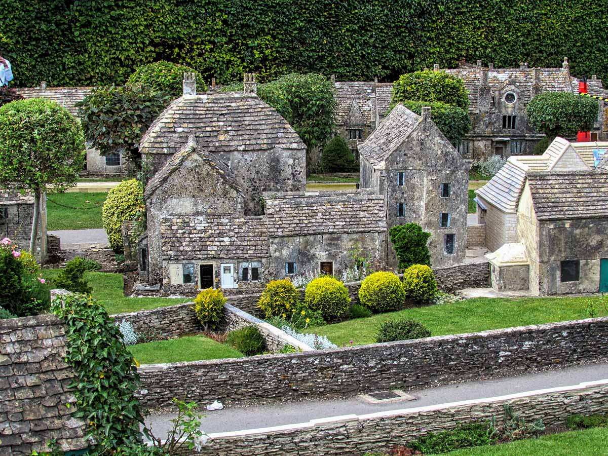 Cotswold England stone homes cottages village