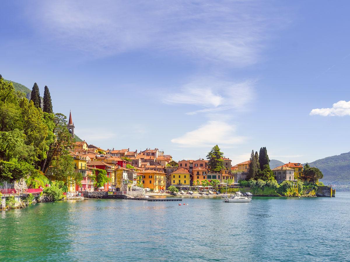 Bellagio coastal city colourful houses cycling biking tour Italy