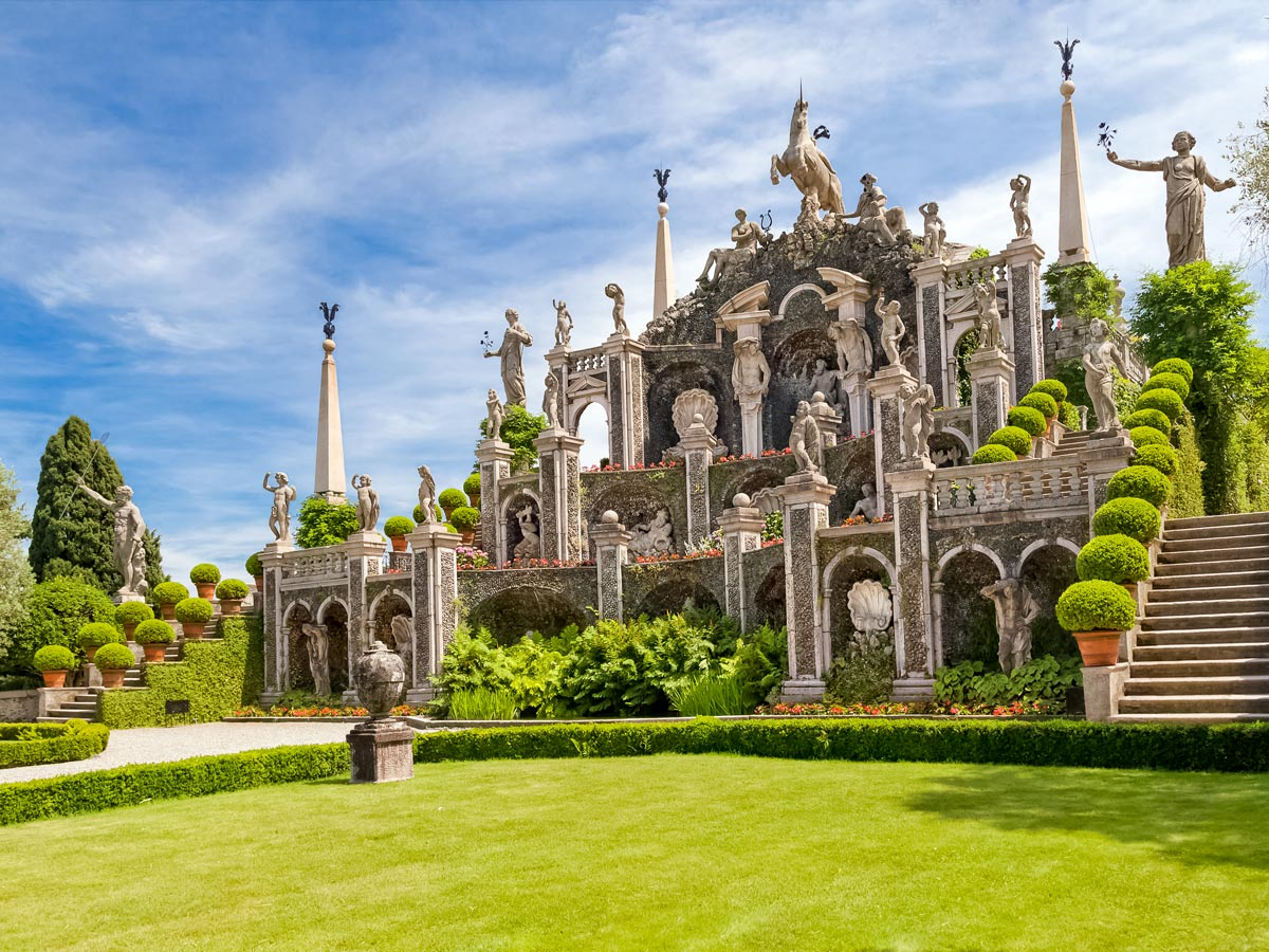 Beautiful Isola Bella statues garden cycling tour Italy