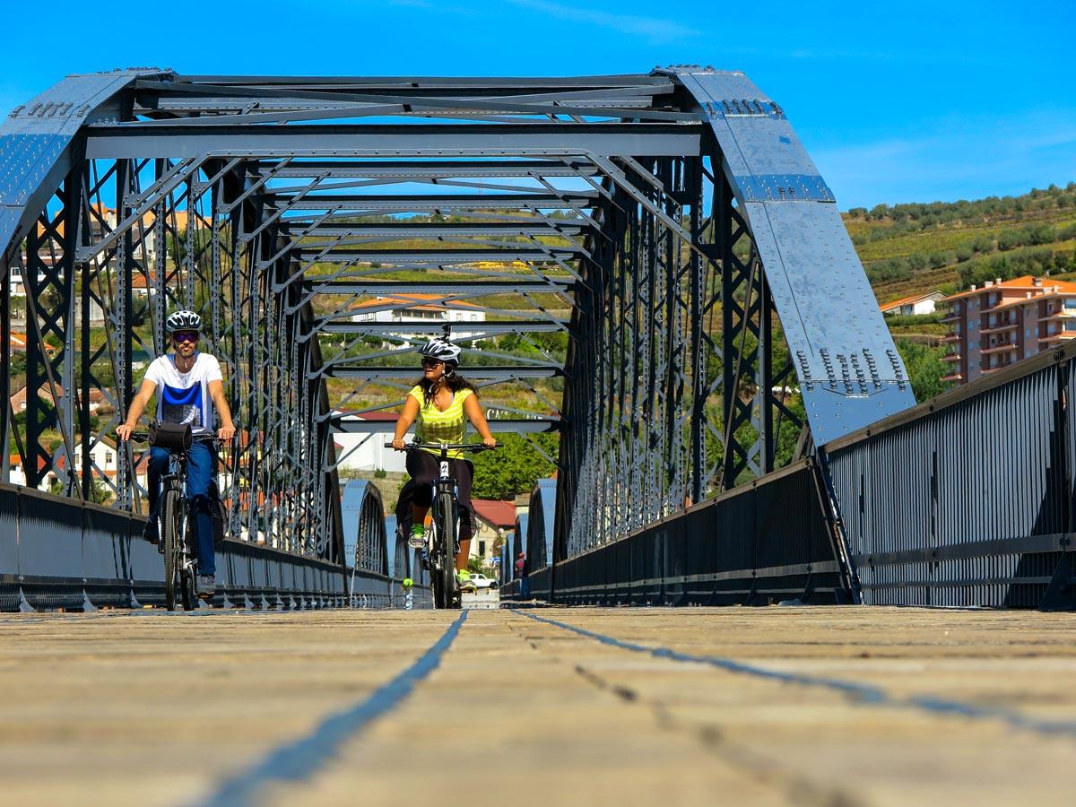 Bridge douro regua bike tour biking in Portugal