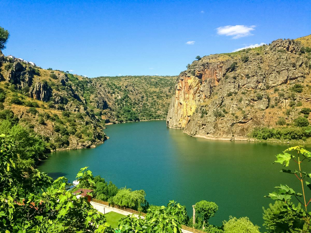 Portugal bike tour adventure exploring the beautiful Duoro Valley