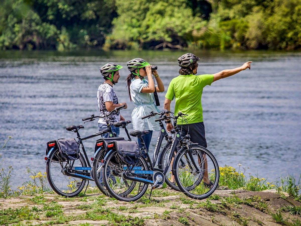 Bicicletas Ecopista family adventure bike tour Minho Portugal