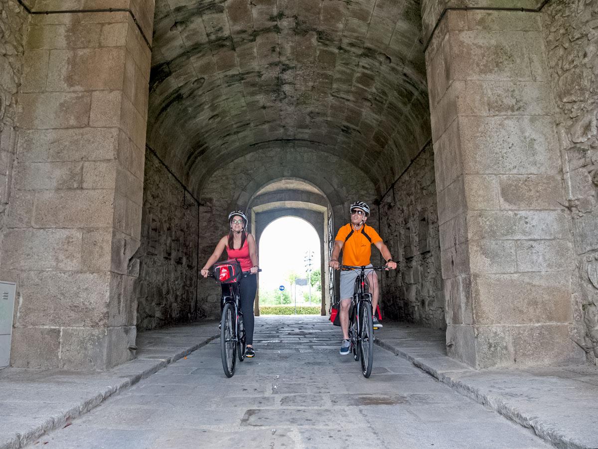 Biking tunnels arches Valença