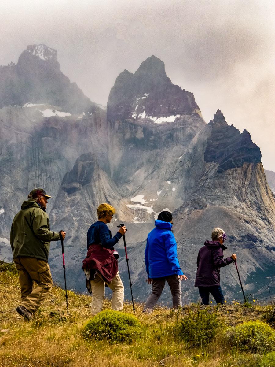 Parque Torres del Paine mirador Cuernos Valdez Patagonia Chile adventure tour