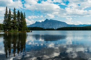 Cycle the Golden Triangle and Icefields Parkway