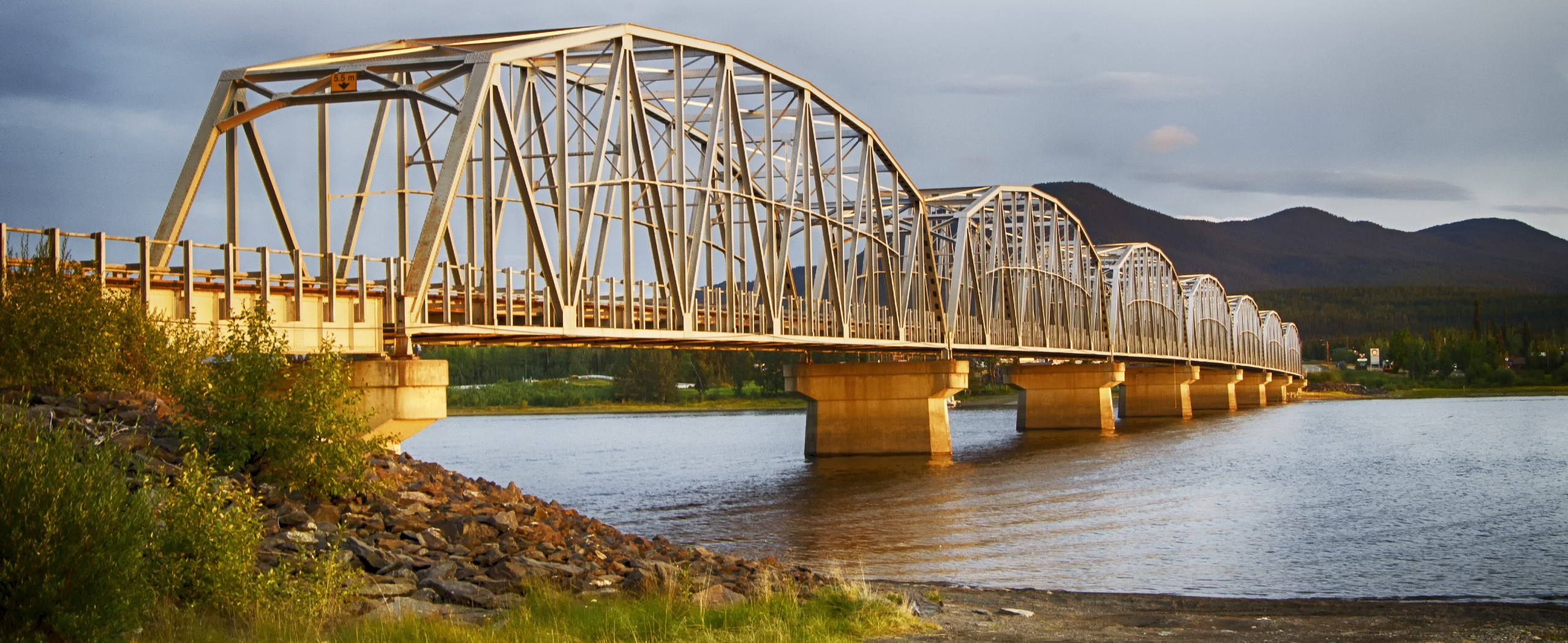 Yukon's Autumn Colours and Northern Lights Self-Drive Tour