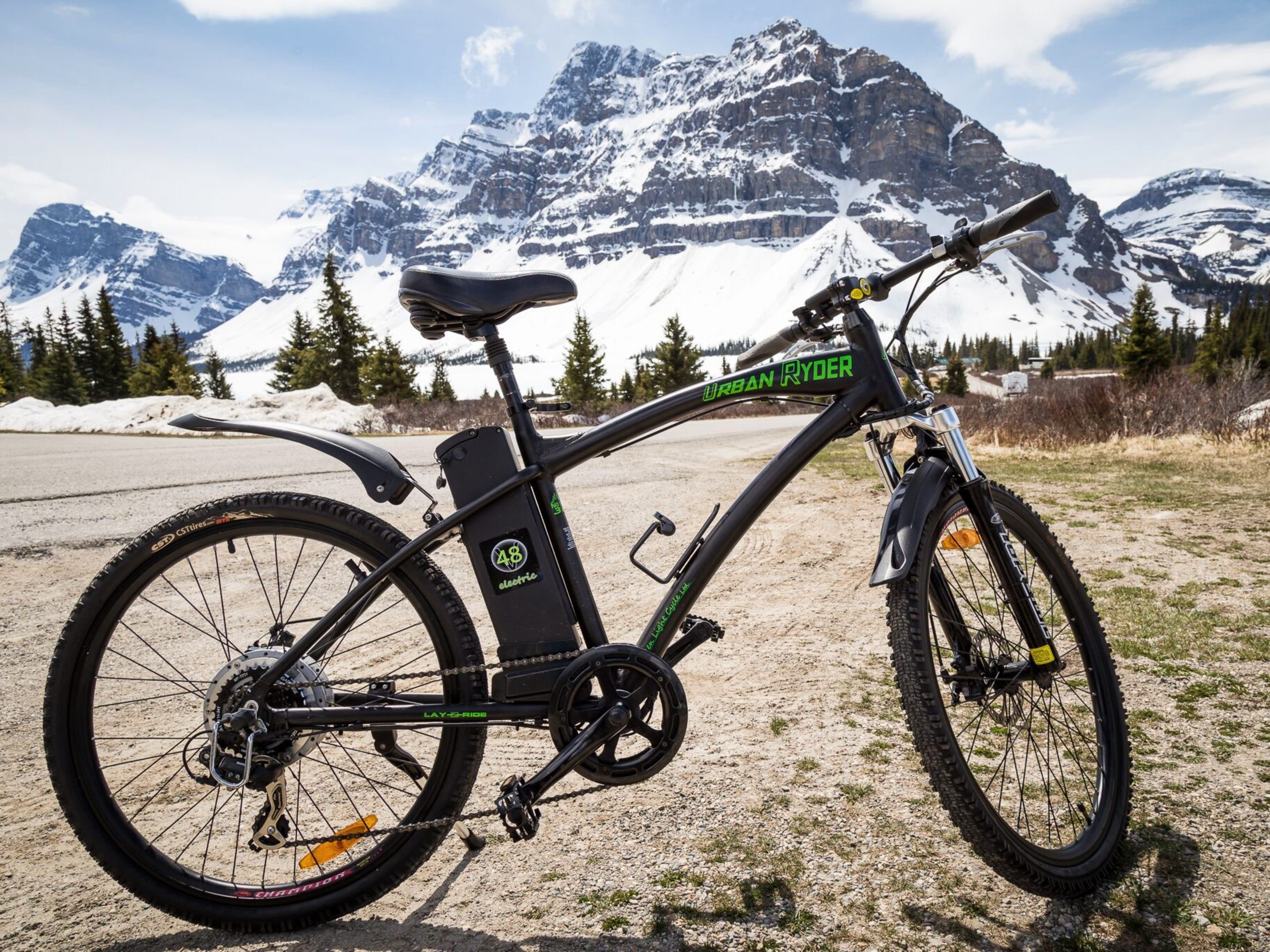 E-Bike in front of beautiful mountains