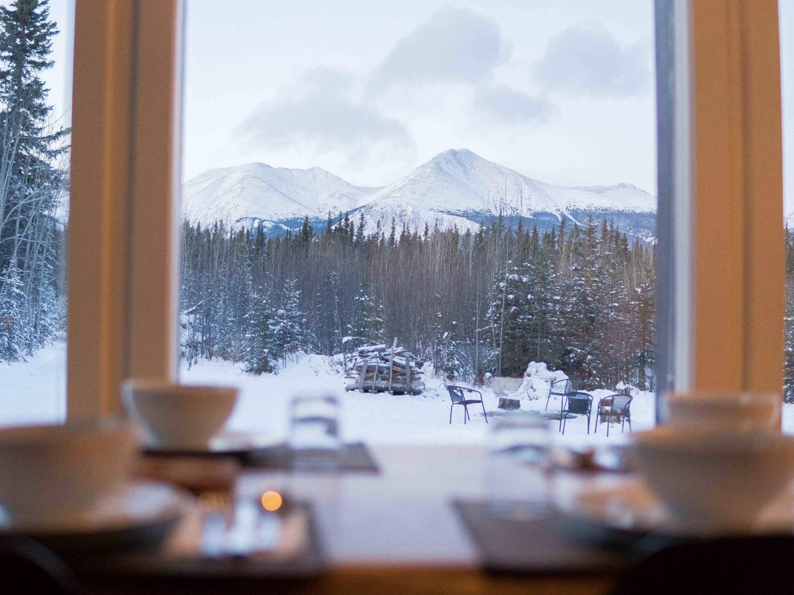 Lunch with great views in Yukon during the winter