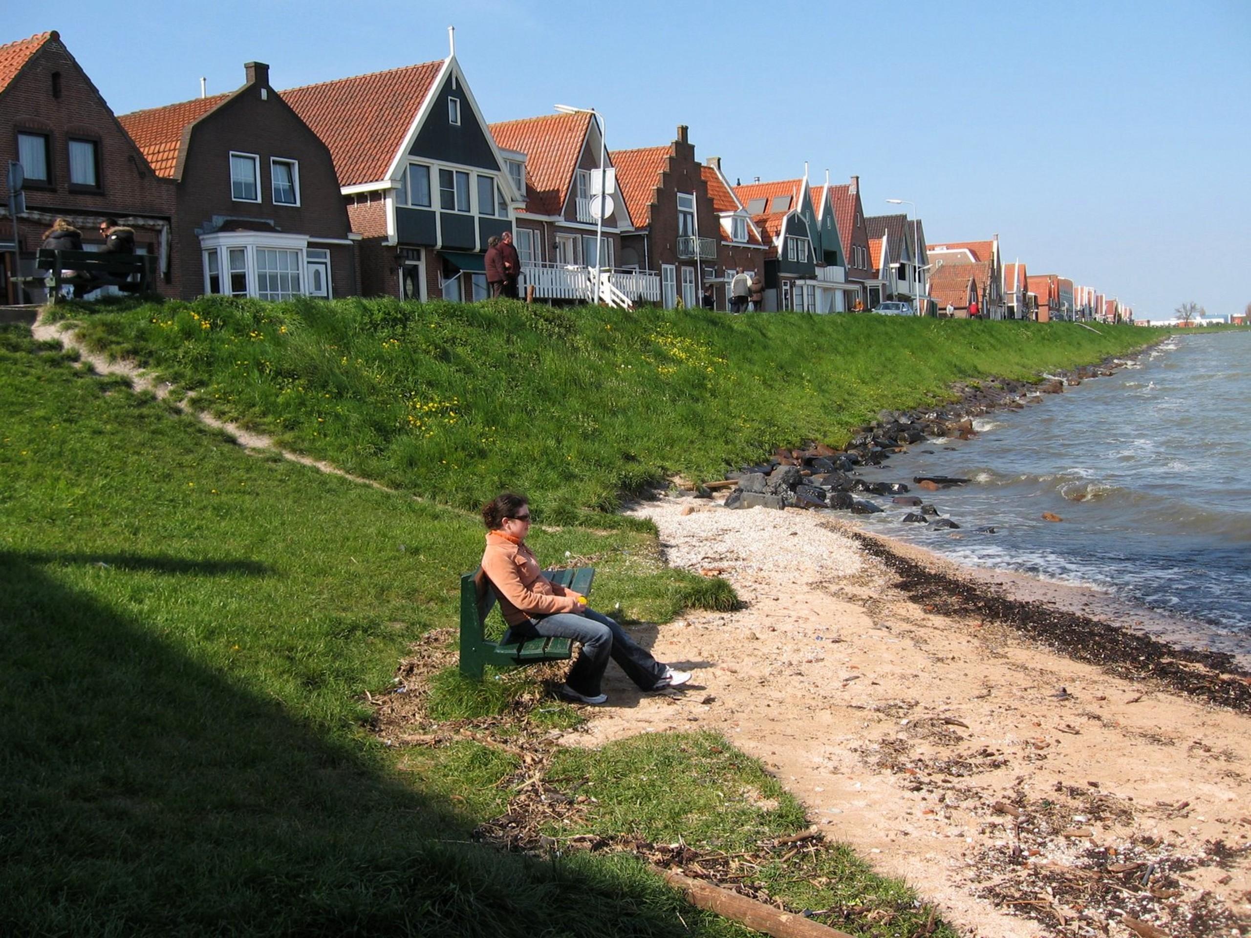 Volendam shores