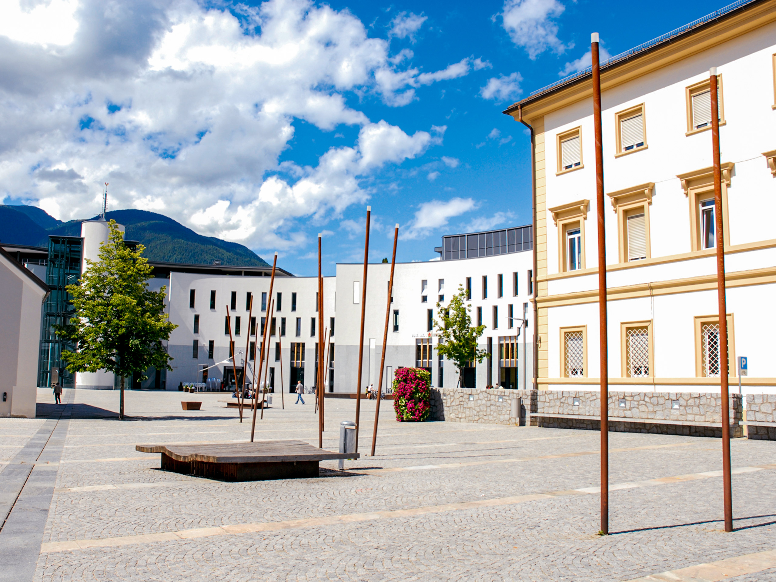 Bruneck Rathausplatz view