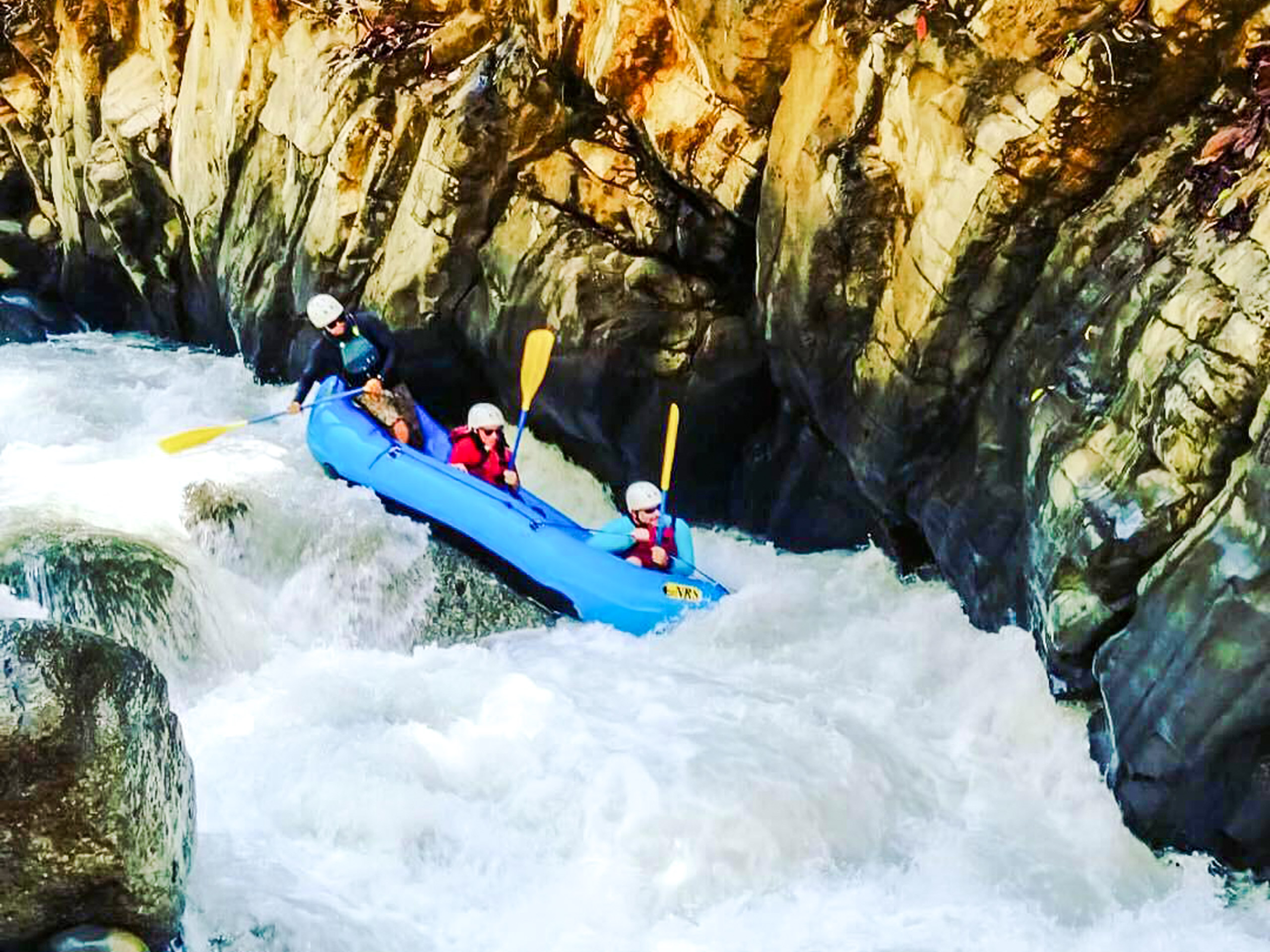 Extreme rafting in Costa Rica