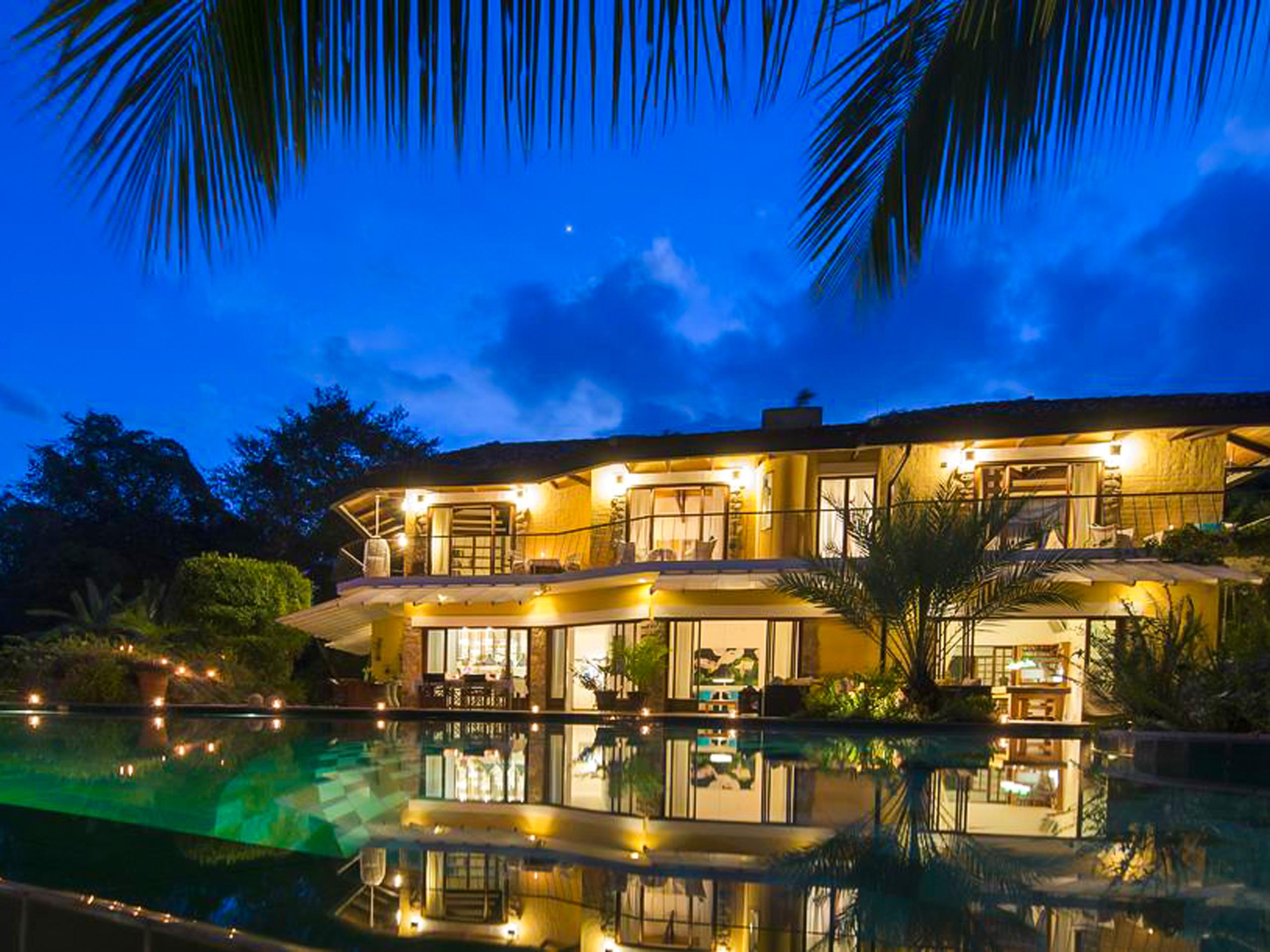 Bougainvillea Hotel night view
