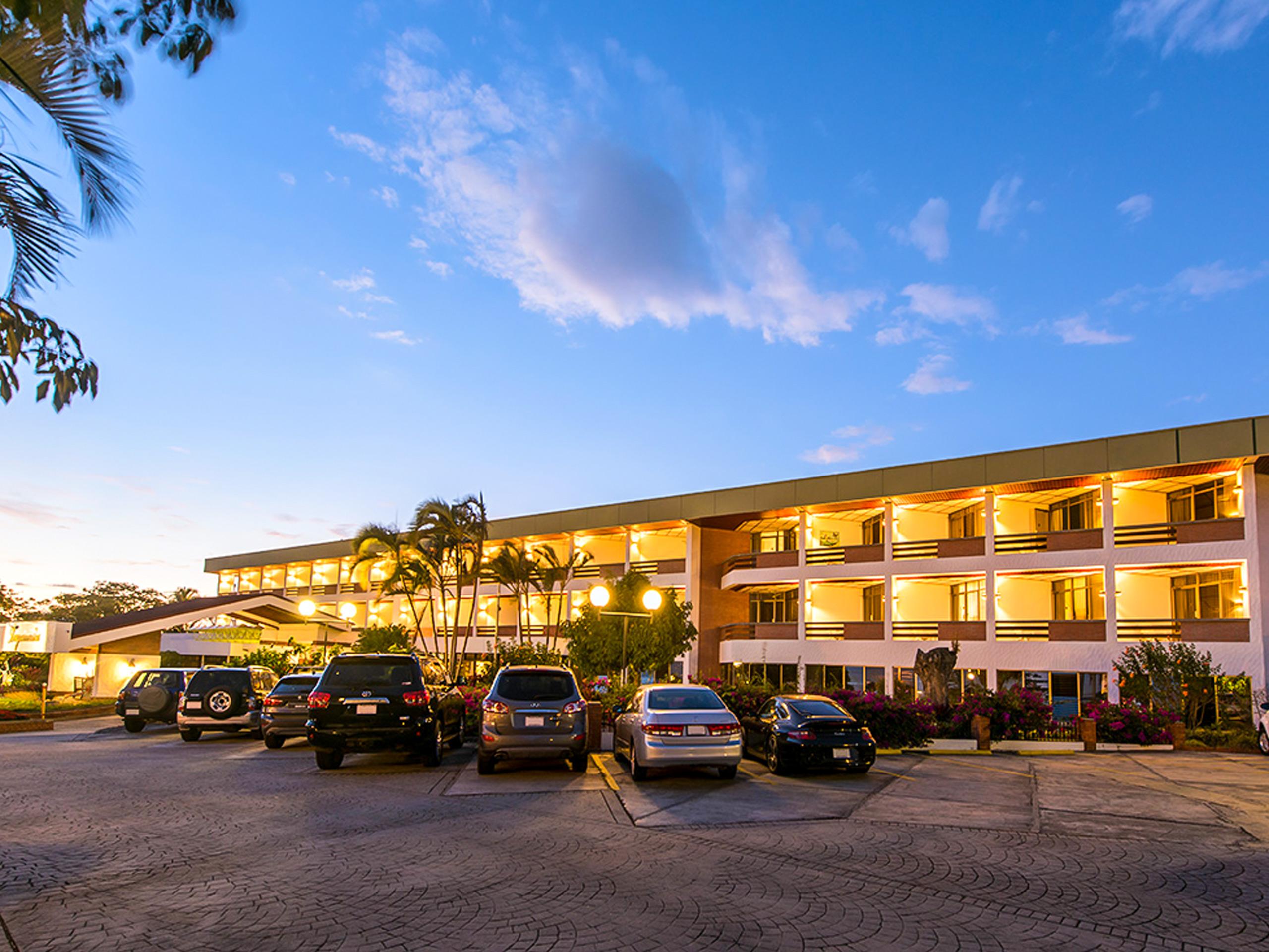 Parking in hotel Bougainvilleal
