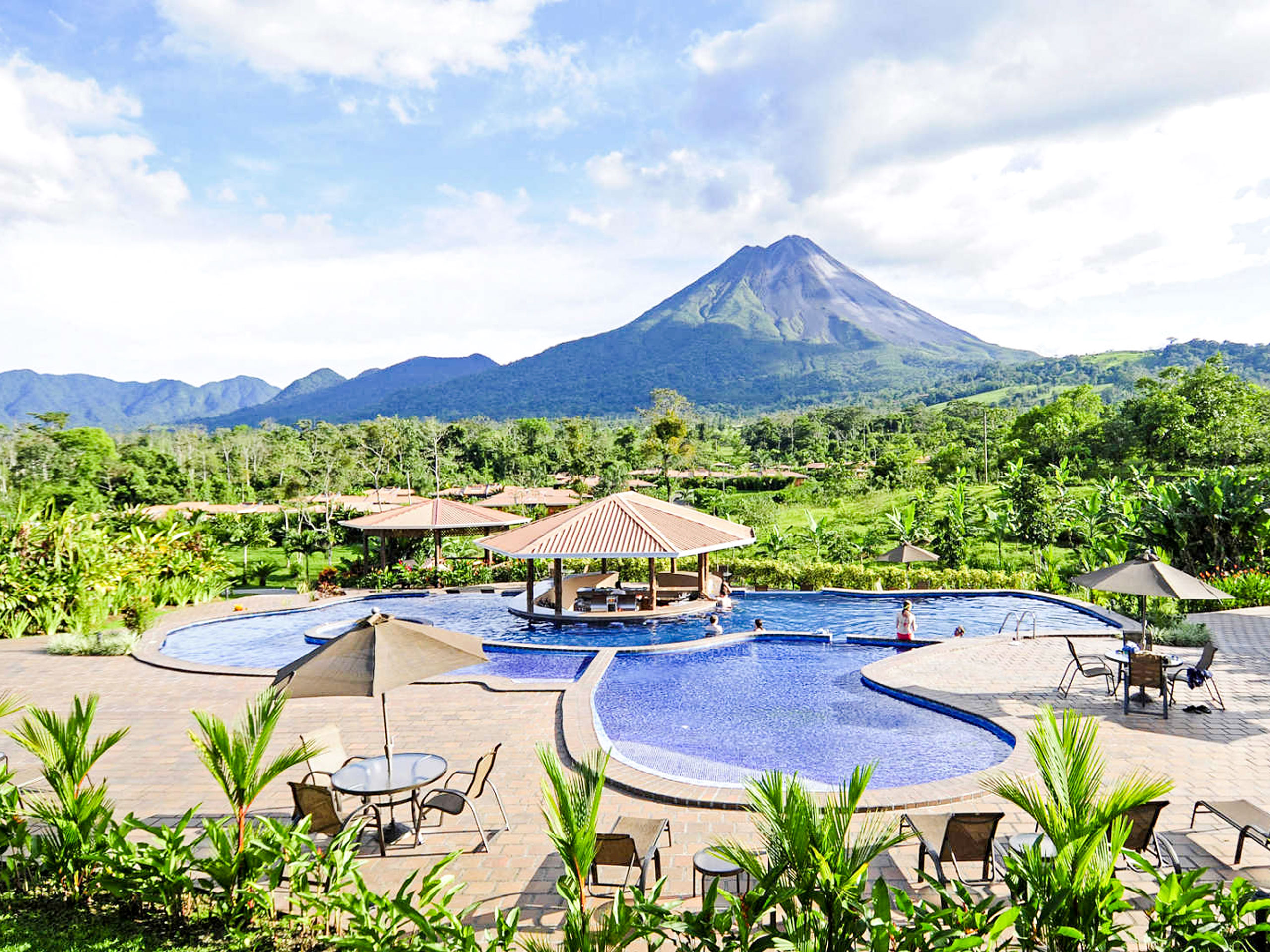 Hotel Arenal Manoa Volcano view
